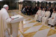 El Papa: La iglesia no puede avanzar con evangelizadores amargados
